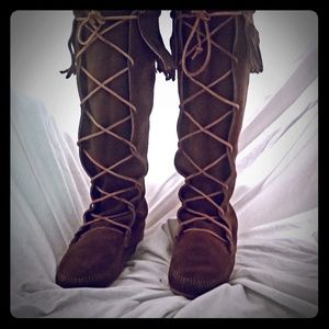 New Minnetonka Front Lace Knee High Boot